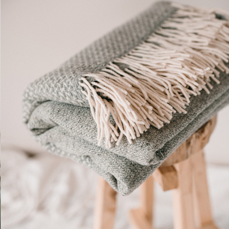 ON SALE Swallow cloud blanket – light mixed grey
