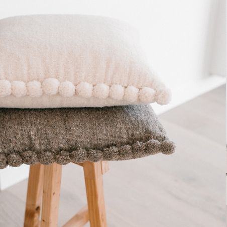 Beja woollen cushion – off white